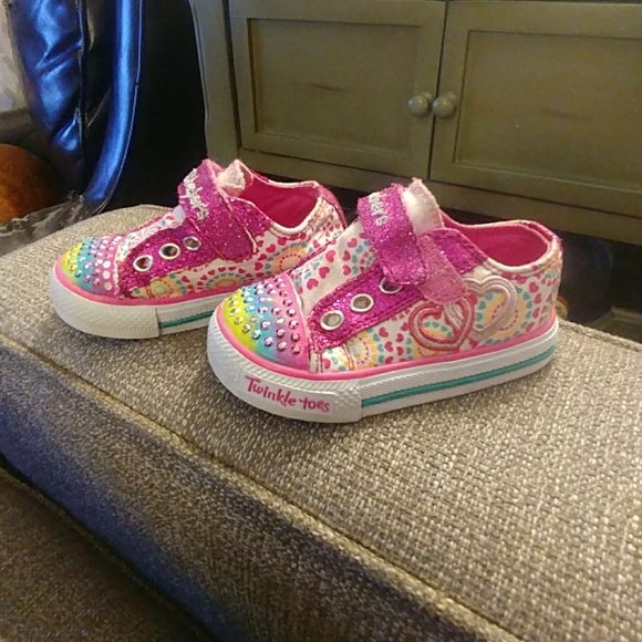 acd11bce0126 Skechers Twinkle Toes Sneakers Toddler Size 6. M 5afcd092c9fcdf4df877797c